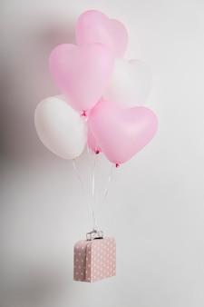 Composición de diferentes globos de cumpleaños.