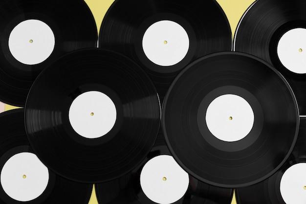 Composición de discos de vinilo laicos plana