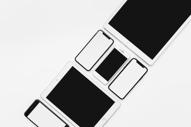 Composición de dispositivos colocados diagonalmente