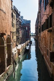 Composición elegante de venecia