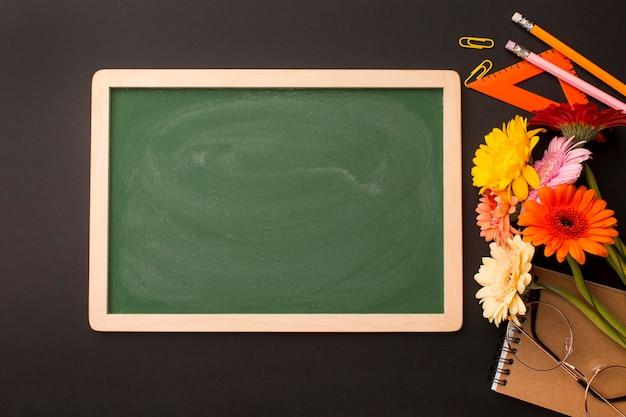 Composición de elementos del día del maestro.