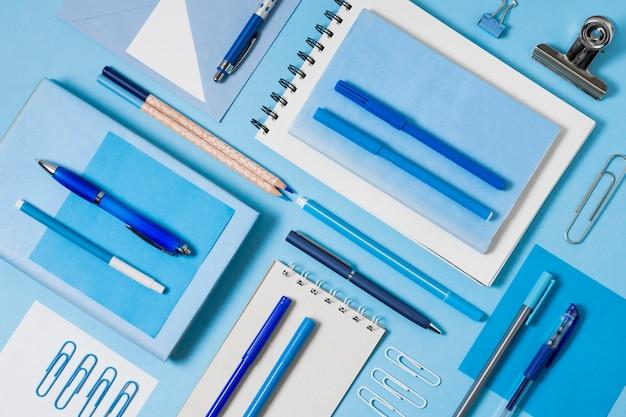Composición de escritorio flat lay