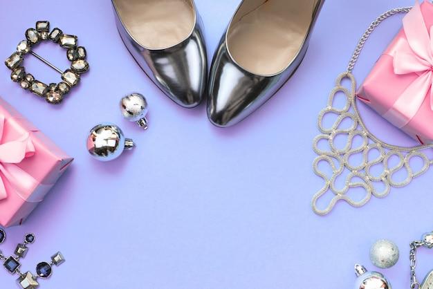 Composición festiva, set de accesorios, joyas, regalos