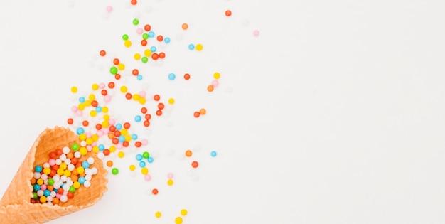 Composición flat lay de cumpleaños con copyspace