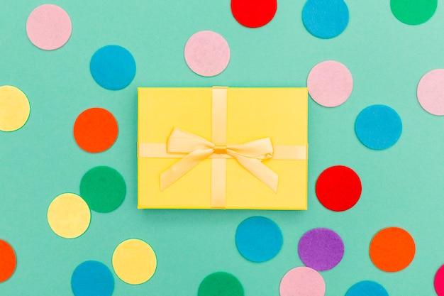 Composición flat lay de cumpleaños