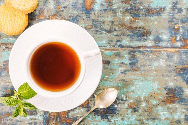 Composición flat lay de té