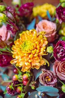 Composición de flores crisantemo