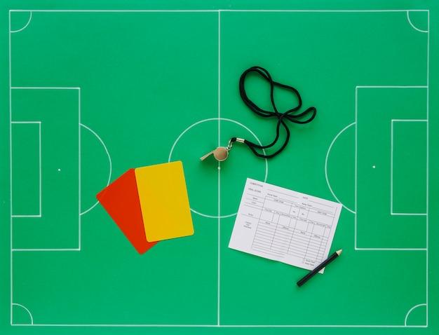 Composición de fútbol con concepto de árbitro