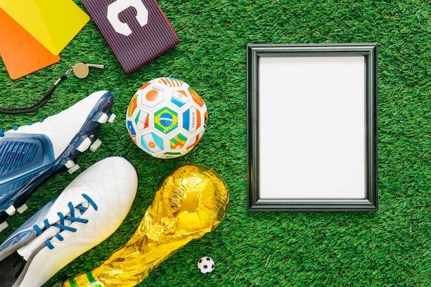 Composición de fútbol con marco
