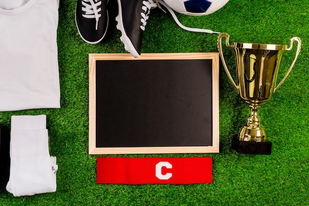 Composición de fútbol con pizarra