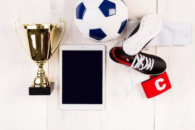 Composición de fútbol con tablet