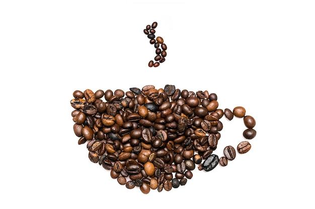 Composición de granos de café, con forma de taza de café