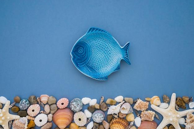 Composición del mar con diferentes elementos