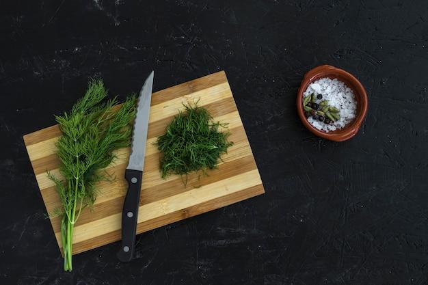 Composición moderna de cocina con ingredientes sanos