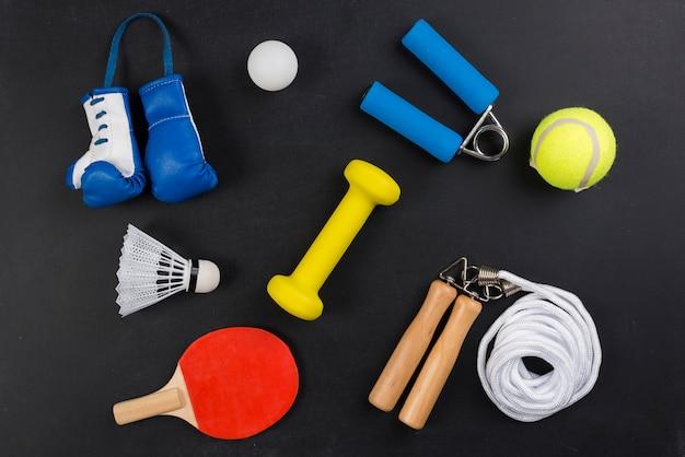 Composición moderna de deporte con elementos de gimnasio