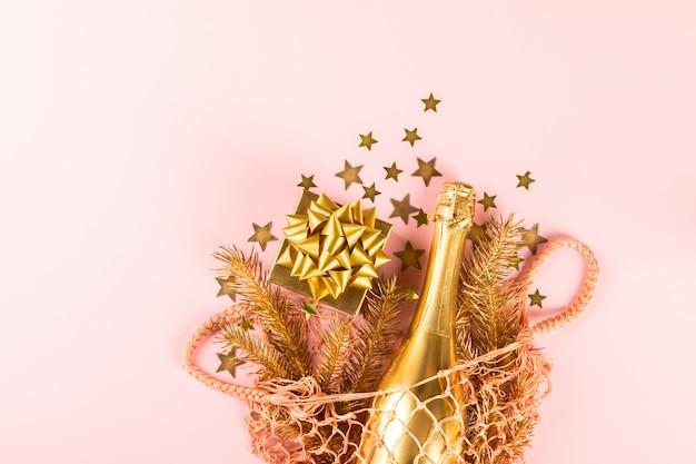 Composición de navidad y año nuevo. bolsa de compras reutilizable.