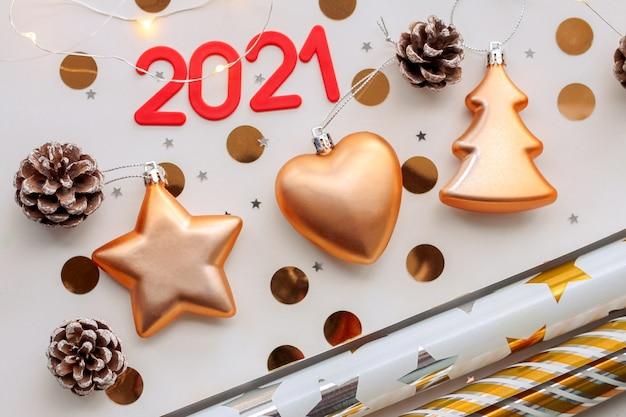 Composición de navidad con números 2021. vista plana endecha, superior