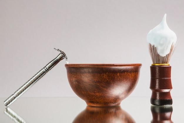 Composición de objetos de afeitar