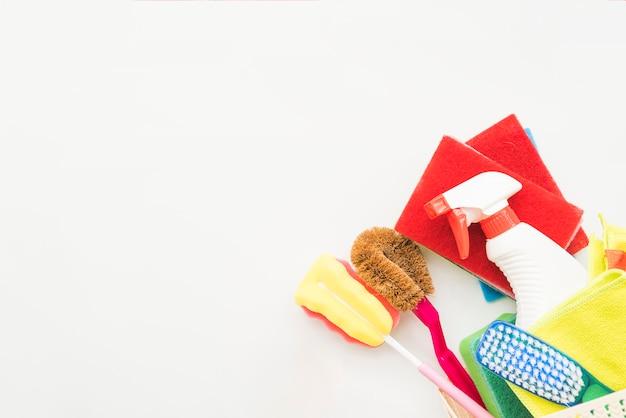 Composición de objetos de limpieza con copyspace