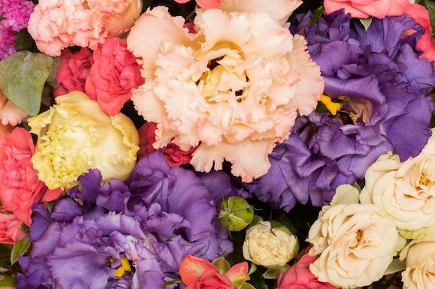 Composición de papel tapiz de flores hermosas