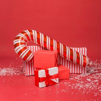 Composición de regalos y regalos de navidad
