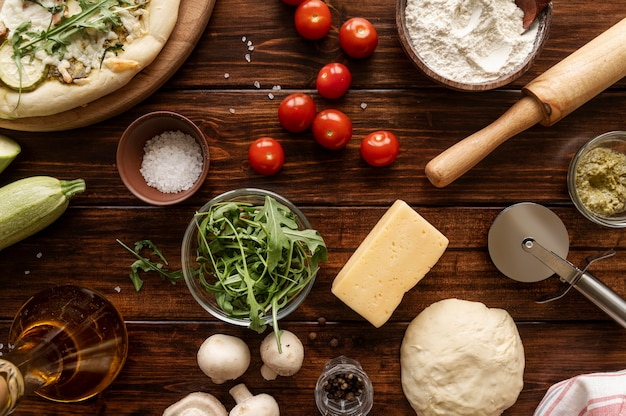Composición de sabrosa pizza tradicional