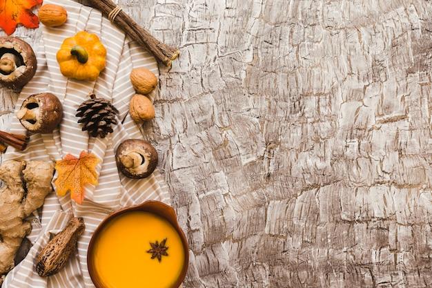 Composición de símbolos de otoño en tela