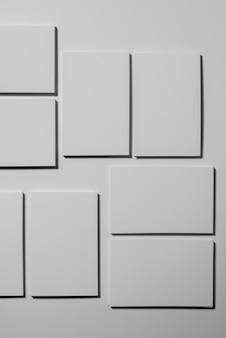 Composición de tarjetas de visita blancas