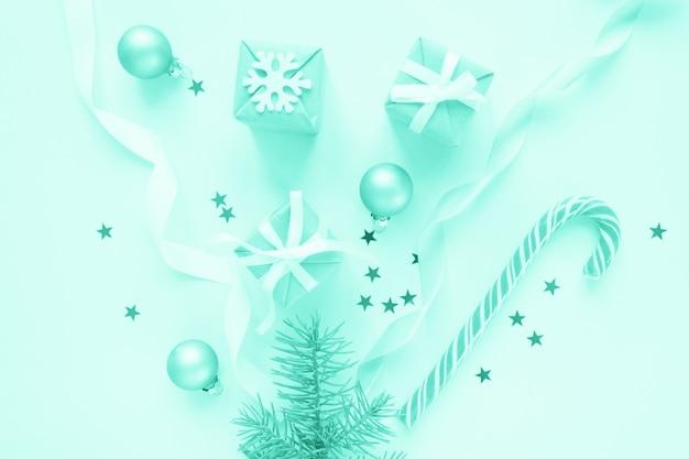 Composición de vacaciones de navidad en pared de luz. tonificado