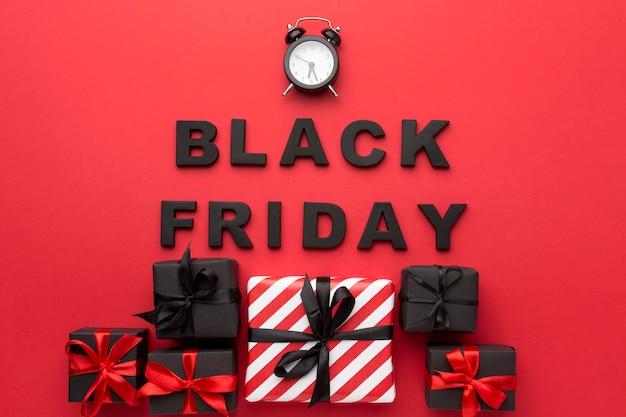 Composición de ventas de viernes negro sobre fondo rojo