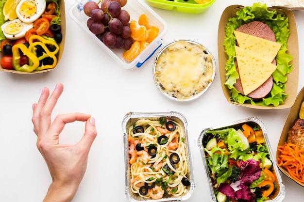 Composición de la vista superior de diferentes alimentos.