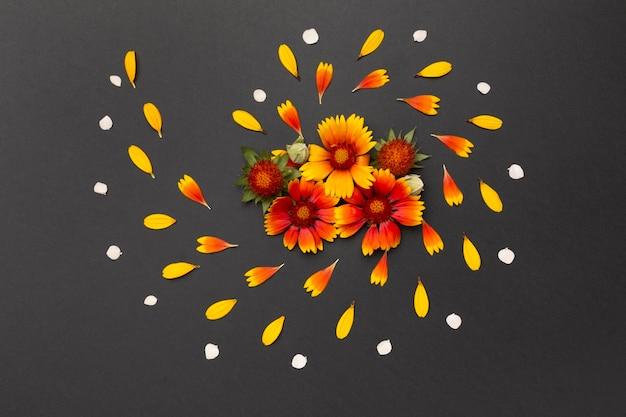 Composición de la vista superior de flores
