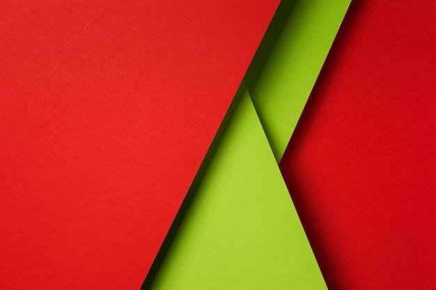 Composición de la vista superior de hojas de papel de colores