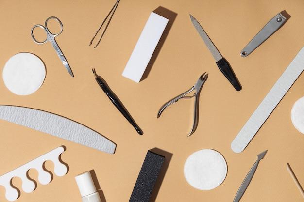 Composición de la vista superior de los productos para el cuidado de las uñas