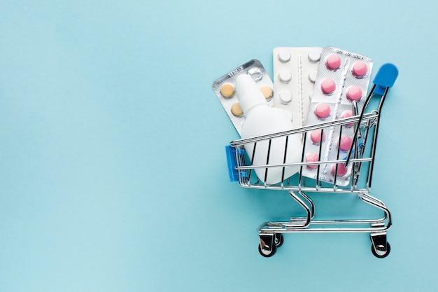 Comprar suministros médicos con el concepto de carrito de compras