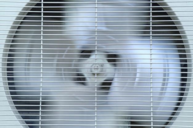 Compresor de aire acondicionado viejo