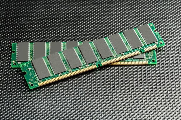 Computerchip, tecnología e industria electrónica