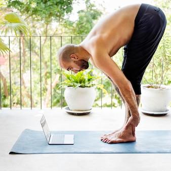 Concentración activa dispositivo digital fitness mind concept