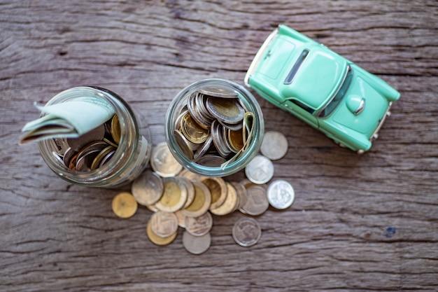El concepto de ahorrar dinero.