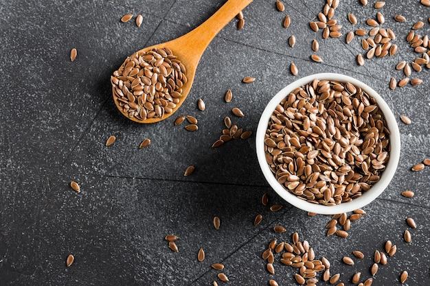 Concepto de alimentos orgánicos saludables de superalimento de linaza semillas de lino