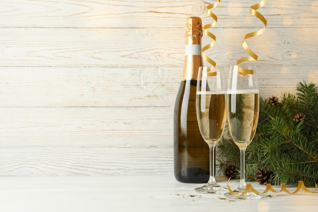 Concepto de año nuevo con champagne
