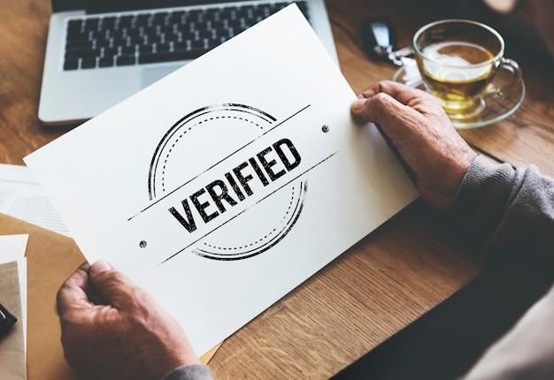 Concepto de aprobación autorizado de afirmación certificado verificado