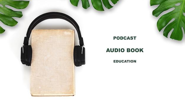 Concepto de audio libro o podcast en blanco