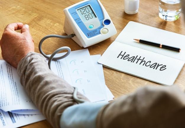 Concepto de ayuda del médico de atención médica