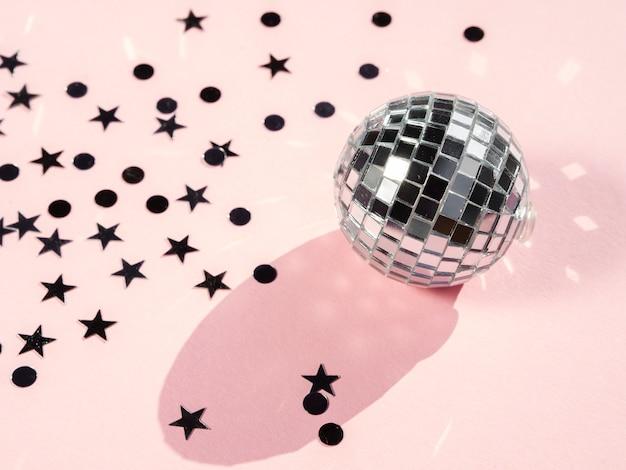 Concepto de bola de discoteca de primer plano