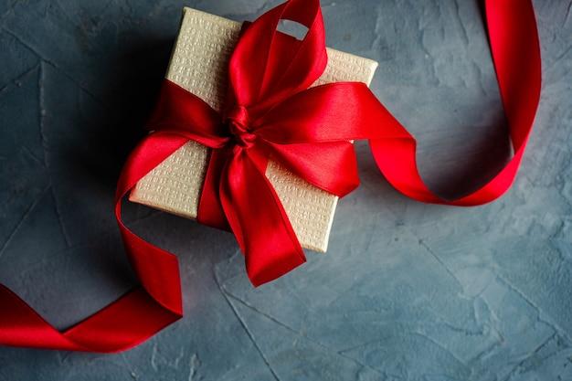 Concepto de caja de regalo