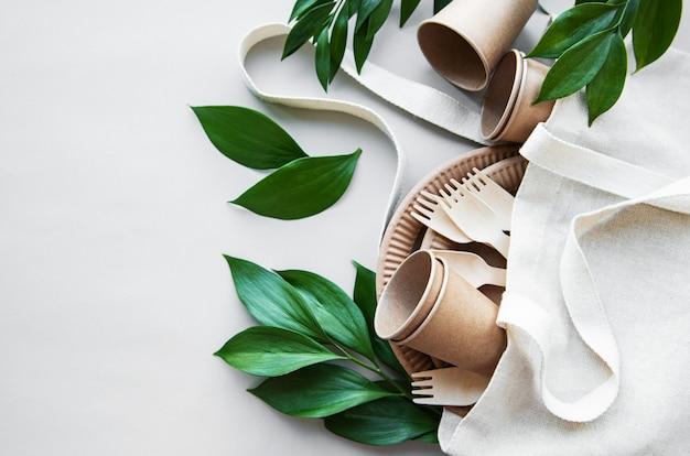 Concepto cero desperdicio, vajilla de papel