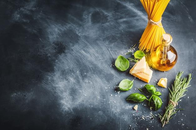 Concepto de cocina con ingredientes para cocinar