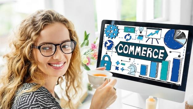Concepto de comercio de internet de envío de compras en línea