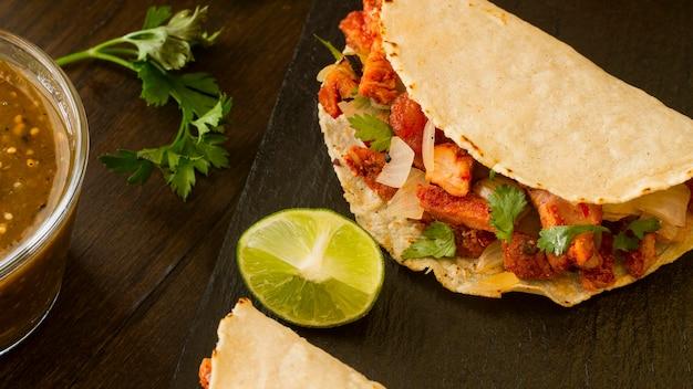 Concepto de comida mexicana con taco